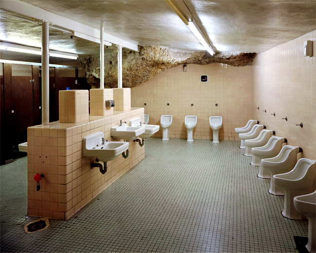 bathroom_underground.jpg