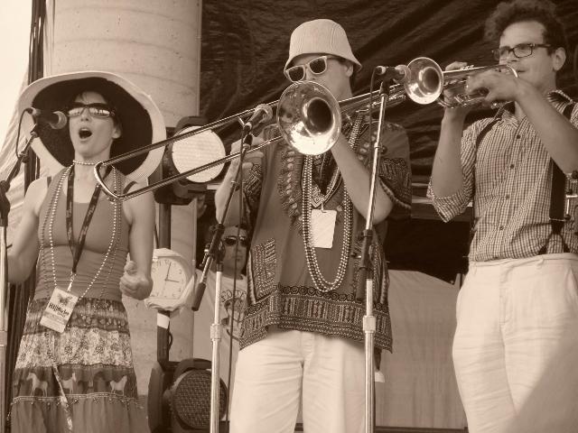 Susanna Hood, Scott Thomson & Nic Buligan at Hillside fest