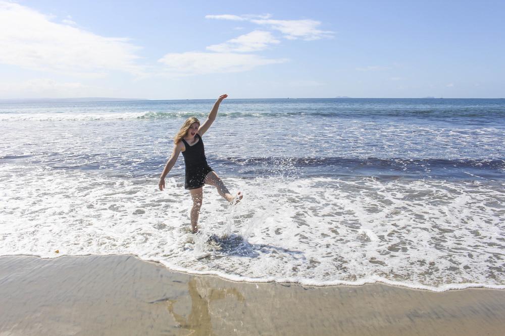 Sarah and beach-8.jpg