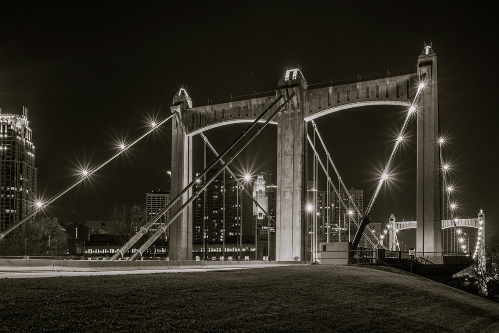 Hennepin Bridge-3.jpg