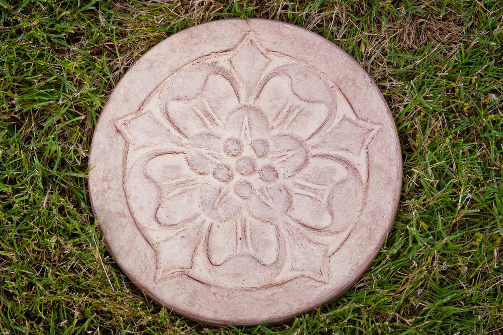 Round Cast Stone Large Floral Stepping Stone