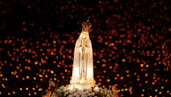 The Feast of Our Lady of Fatima is May 13th, the date she first appeared to the three children in 1917....next year is the 100th anniversary of this historic event!  Nomen Christi Apostolate is dedicated to Our Lady of Fatima.  Our Lady of Fatima, pray for us!