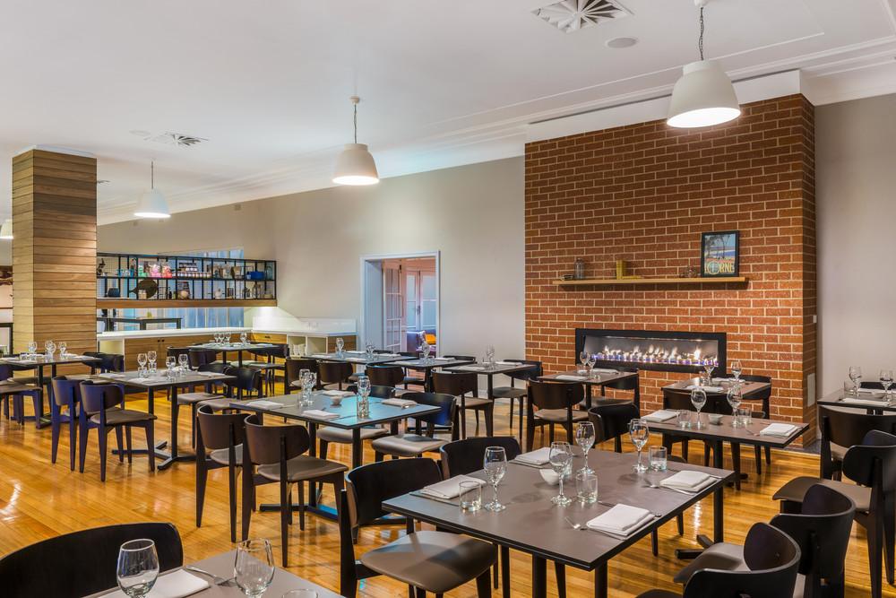 Mantra-Lorne-The-Larder-restaurant.jpg