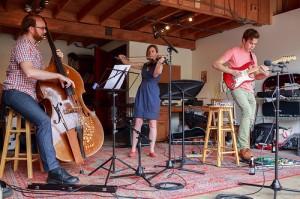 Trio-playing2-300x199.jpg