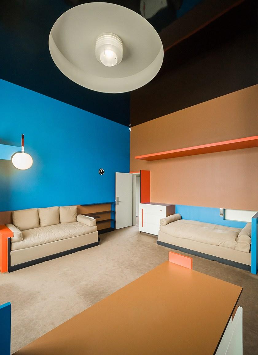 Villa-Cavrois-modern-architecture-designed-by-the-architect-Mallet-Stevens-near-Lille-France-16.jpg