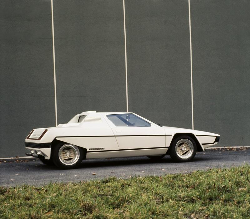 1976_Bertone_Ferrari_Rainbow_06.jpg