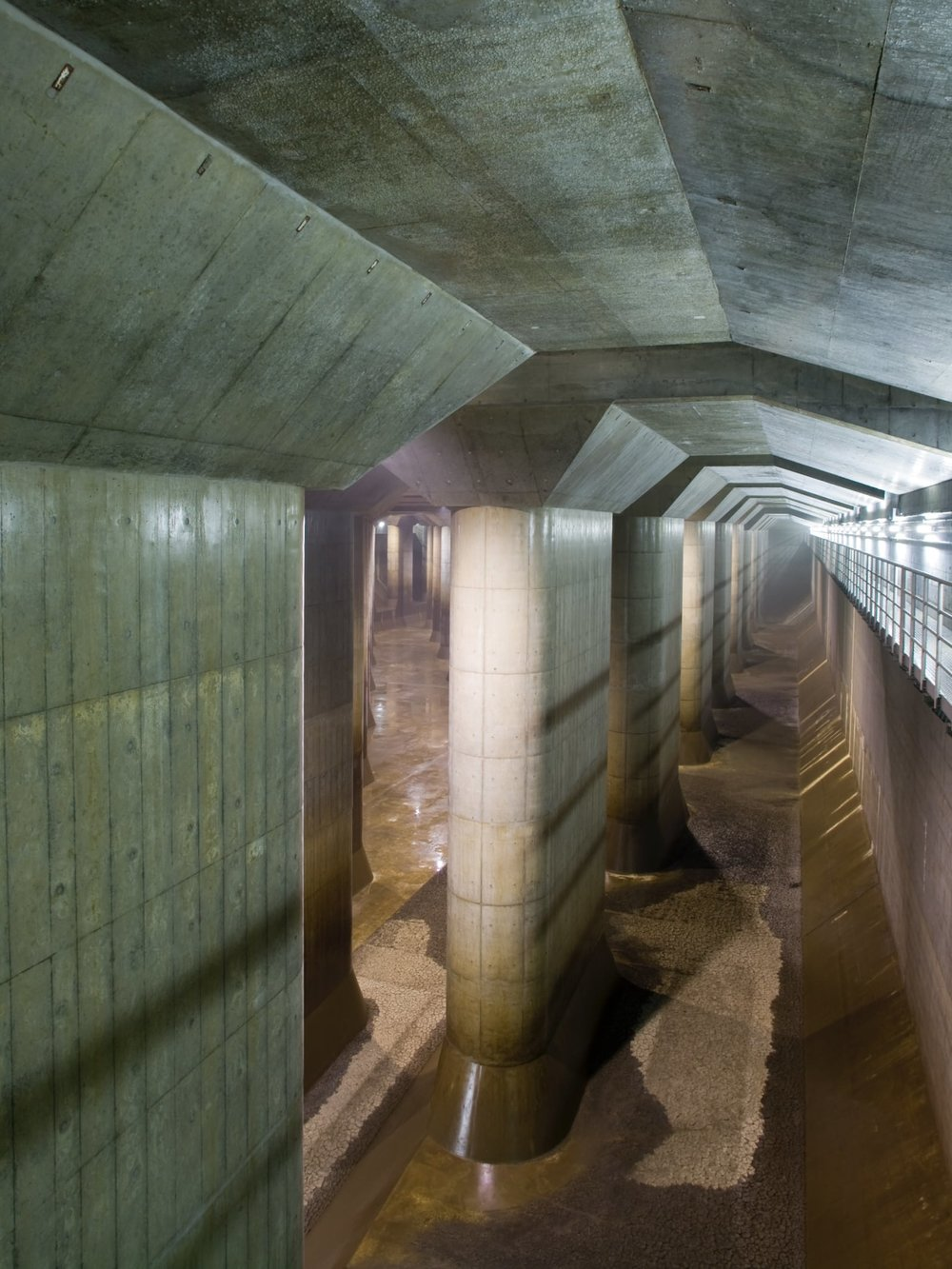 alessio-guarino-metropolitan-area-outer-underground-discharge-channel-2.jpg