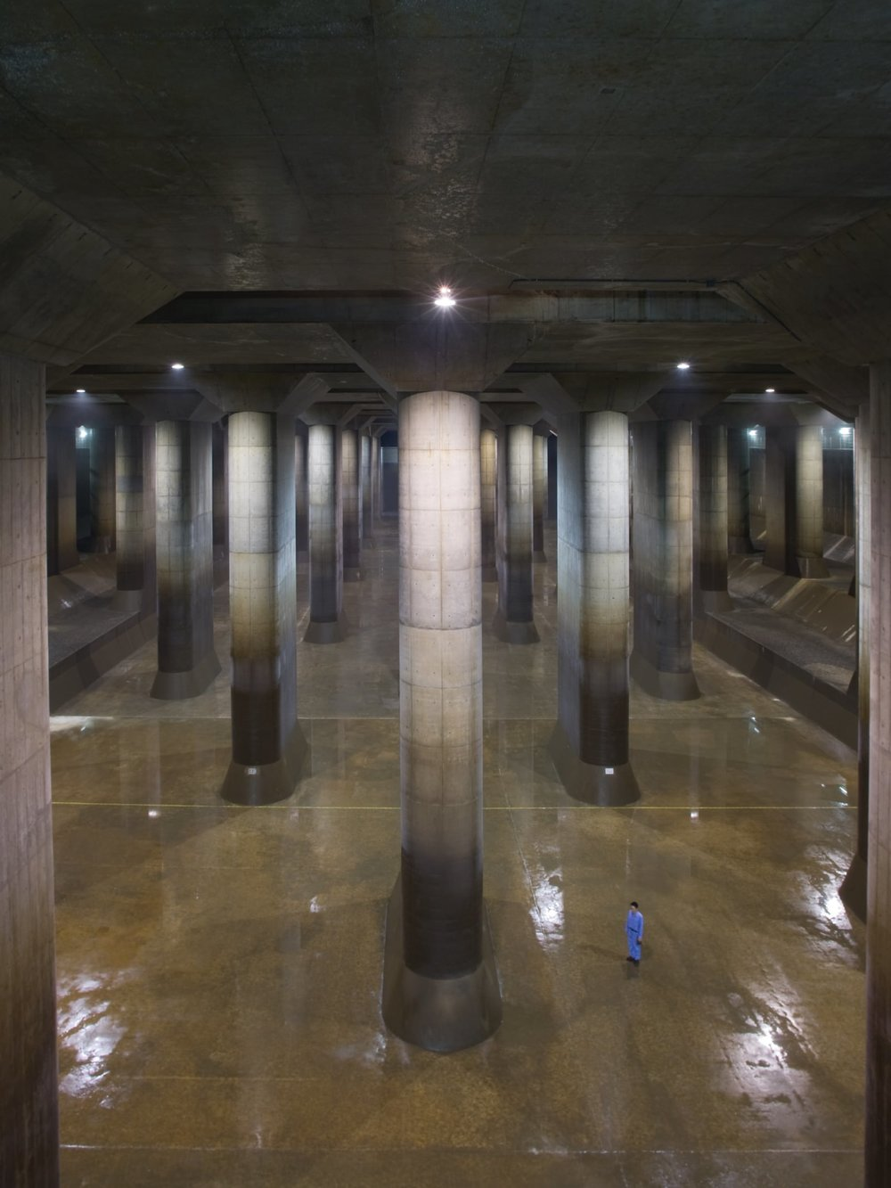 alessio-guarino-metropolitan-area-outer-underground-discharge-channel-3.jpg