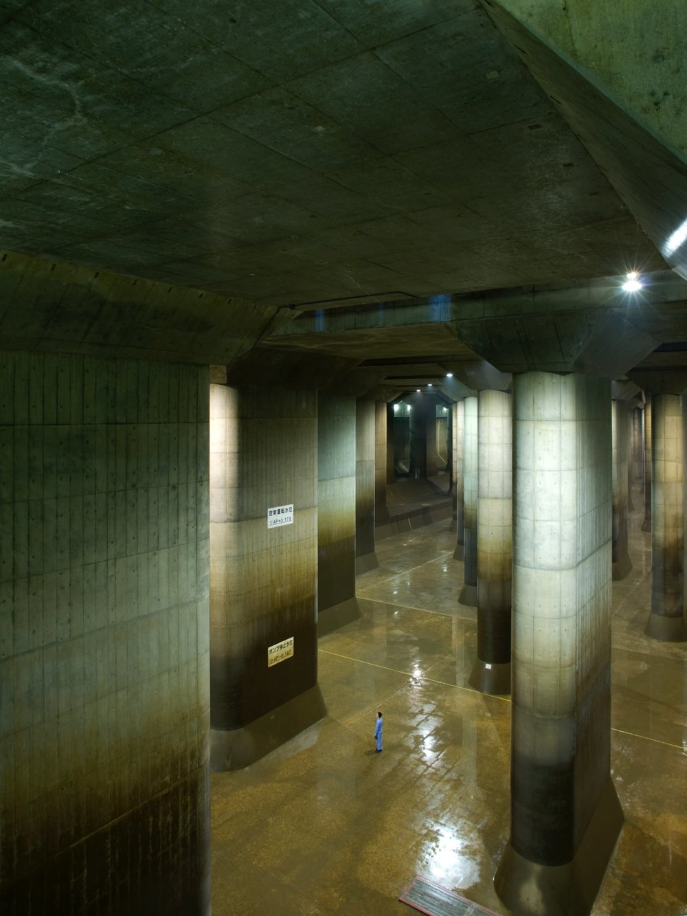 alessio-guarino-metropolitan-area-outer-underground-discharge-channel-4.jpg