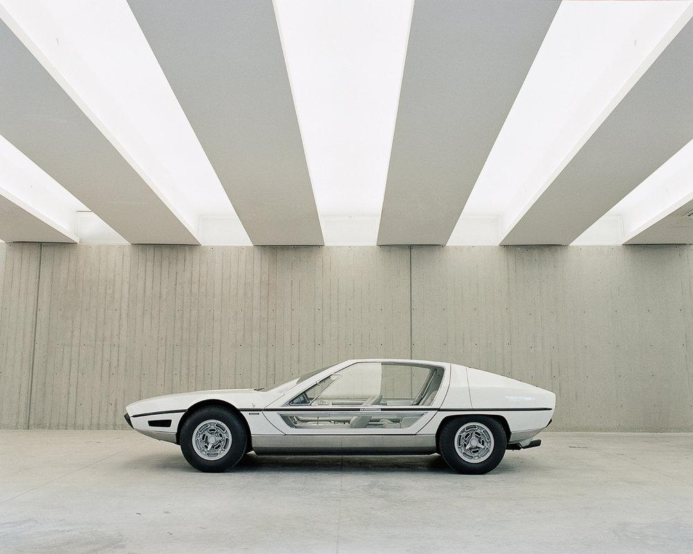 Lamborghini_Marzal_by_Bertone_1967_1.jpg