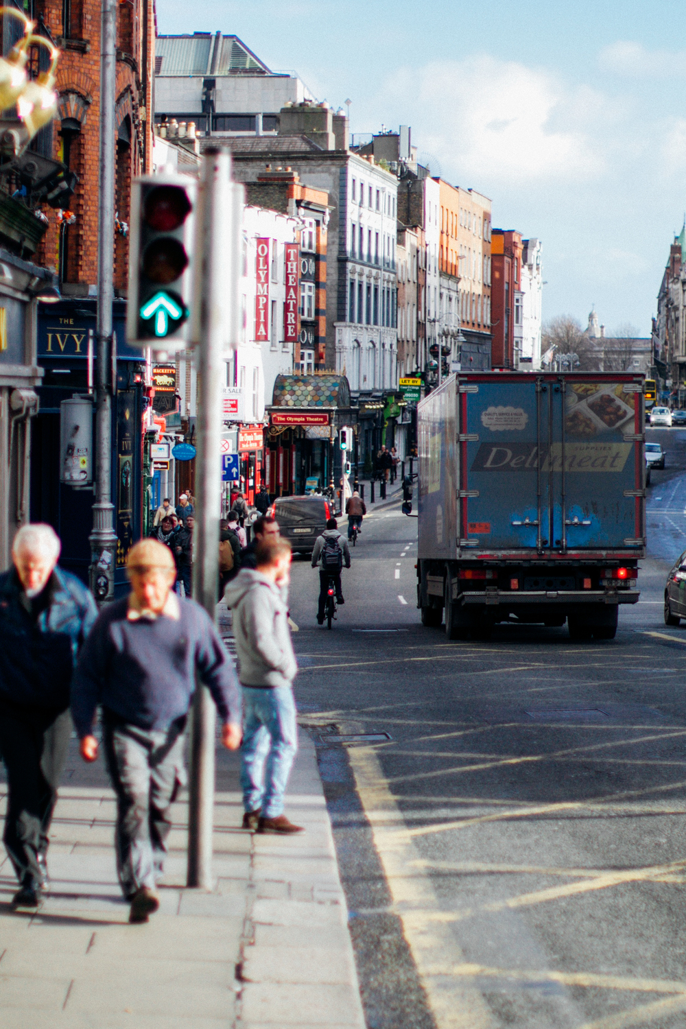 the streets of dublin. when we arrived it was beautifully bright and sunny!