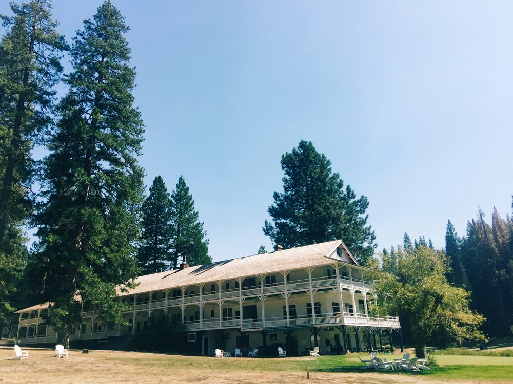 Beautiful big Trees Lodge in Wawona