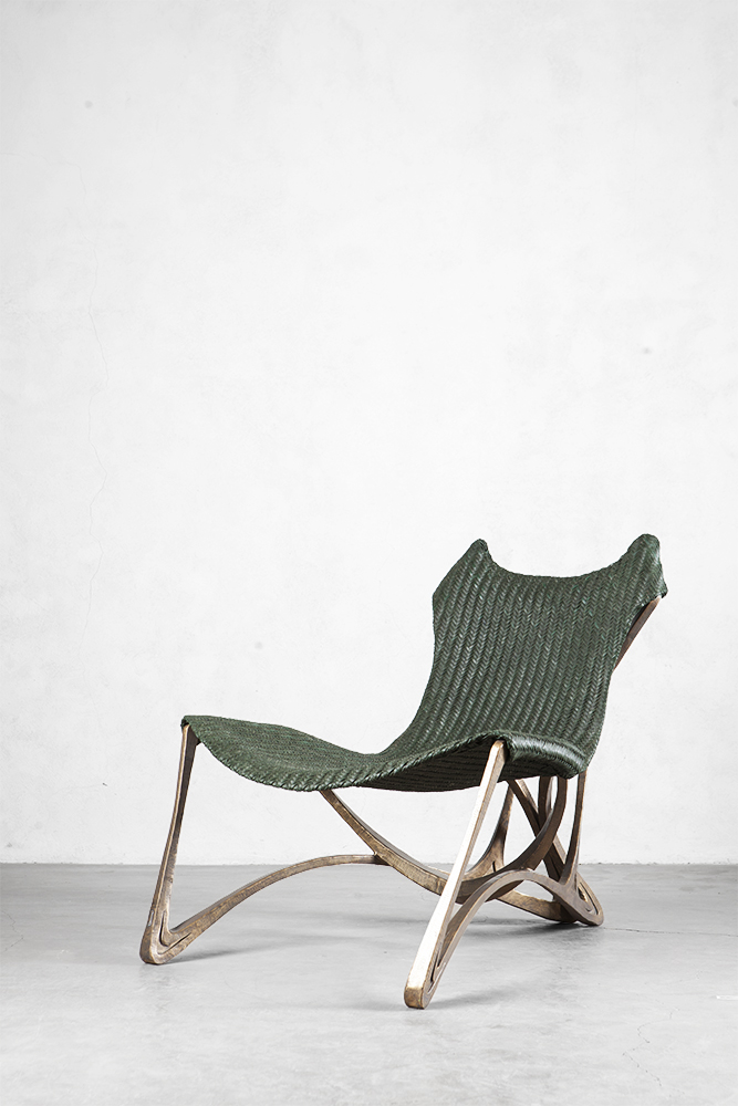 LOOPY LOUNGE CHAIR