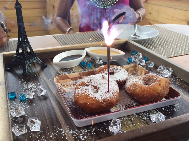 THAI DONUTS WITH THEIR SPARKILNG EIFFEL TOWER