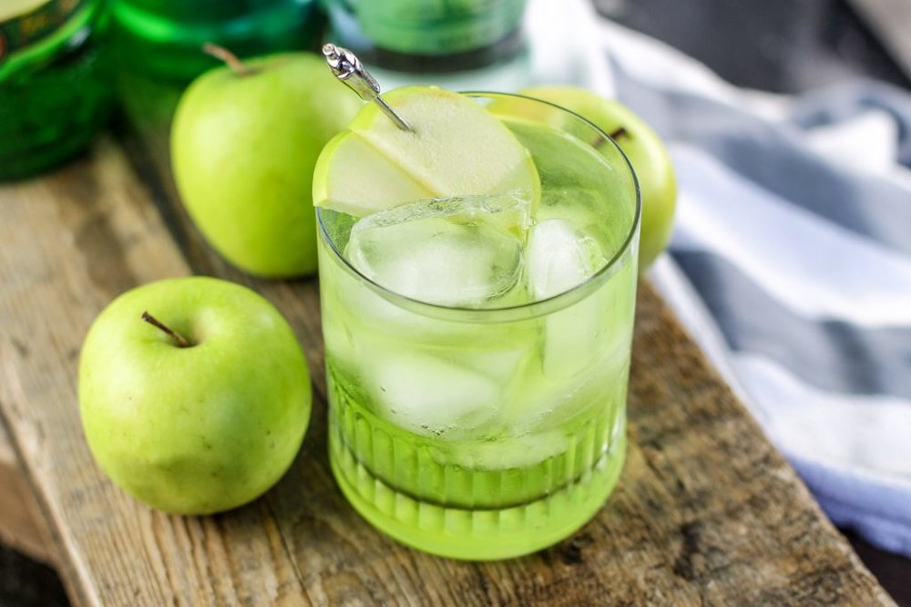 Irish-Sour-Apple-Cocktail-8-1024x682.jpg