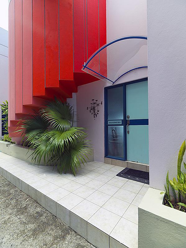 villa-ayahsowedeh-staircase-01.jpg