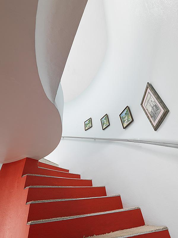 villa-ayahsowedeh-staircase-05.jpg