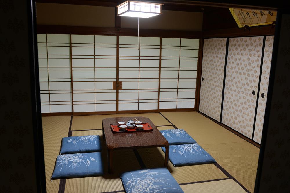Japani temppeli vierashuone temppeliyö