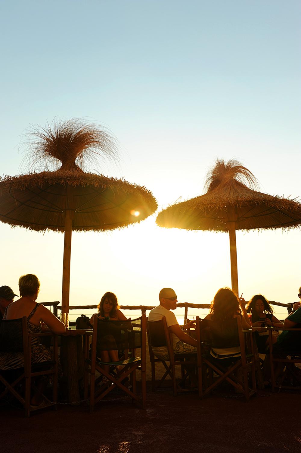 Auringonlasku, ilta, terassi, Espanja, Menorca, matkablogi, matka