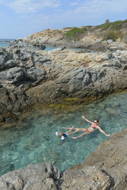 matkablogi, matka, matkailu, loma, lomamatka, Välimeri, Korsika, ranta, uimaranta, meri, matkastressi, lomastressi