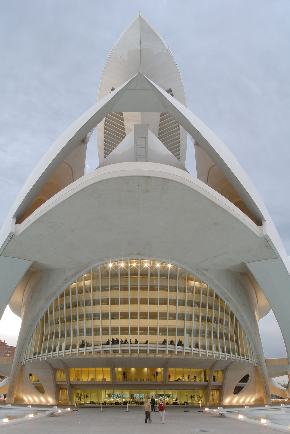 matka, matkablogi, Valencia, Espanja, matkailu, vero, kateus, palau de les arts reina sofia, moderni arkkitehtuuri