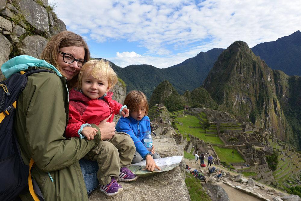 Peru, Etelä-Amerikka, perhematkailu, lapsiperhematkailu, matkablogi, matka, reissu, kerran elämässä, Machu Picchu, rauniot