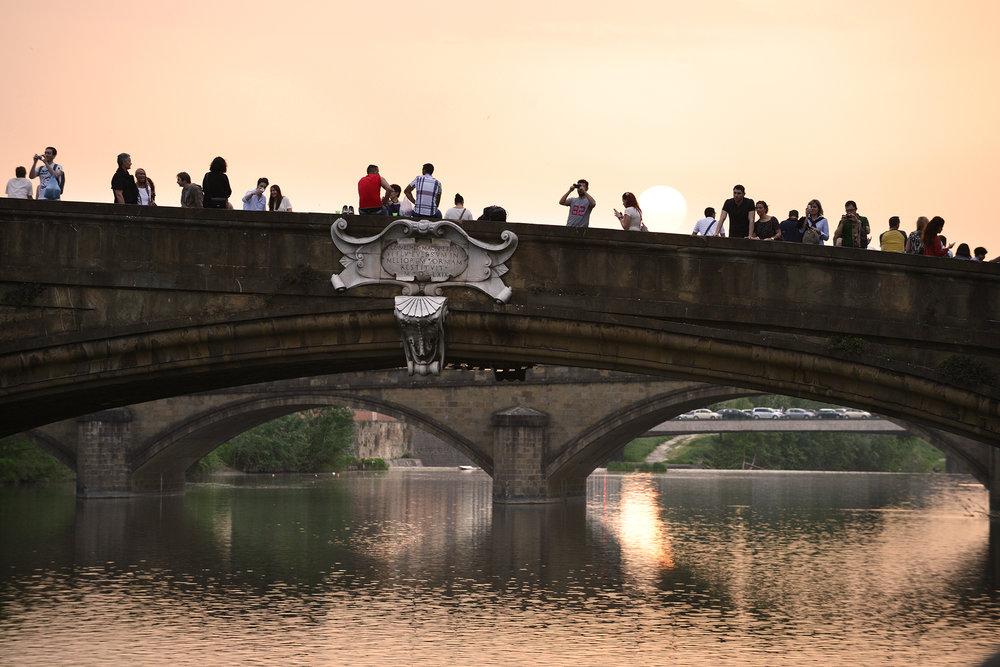 Turismi, turisti, matka, matkablogi, matka, Italia, Firenze, silta, auringonlasku