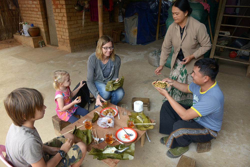 Myanmar, Burma, ruokailu, kylä, opas, matka, matkablogi