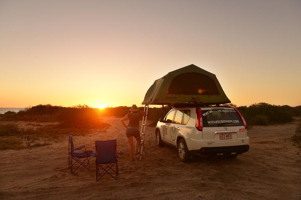 Australia, roadtrip, ilta-aurinko, ilta, campervan