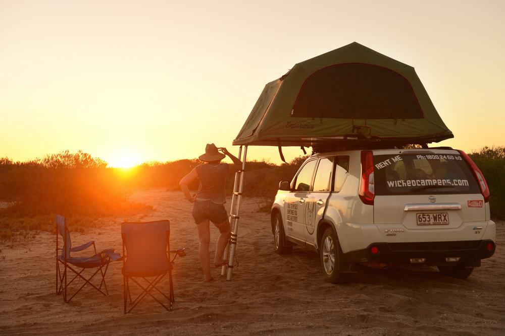 Campervan, Australia, auringonlasku