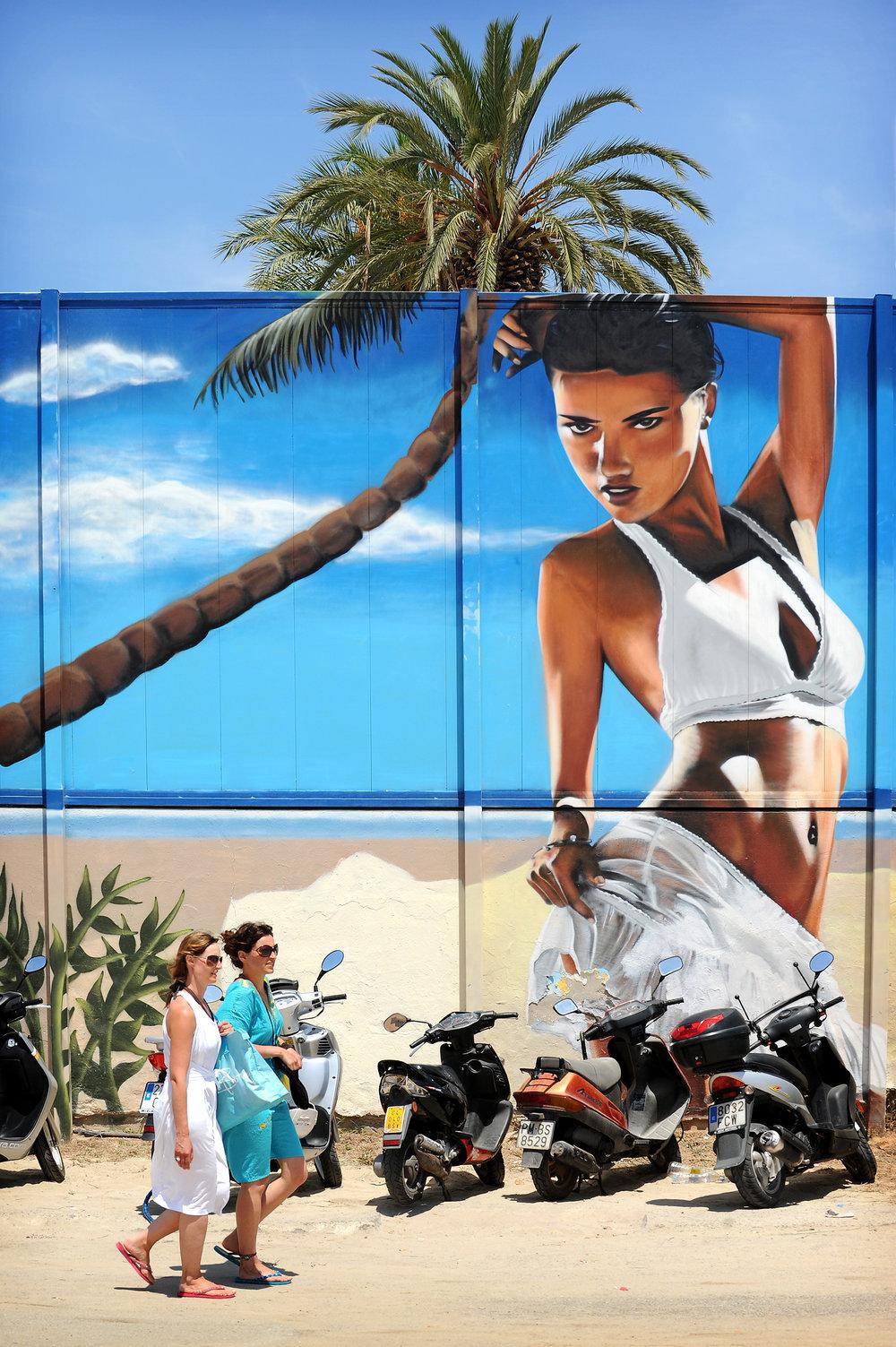 Ibiza, palmu, graffiti