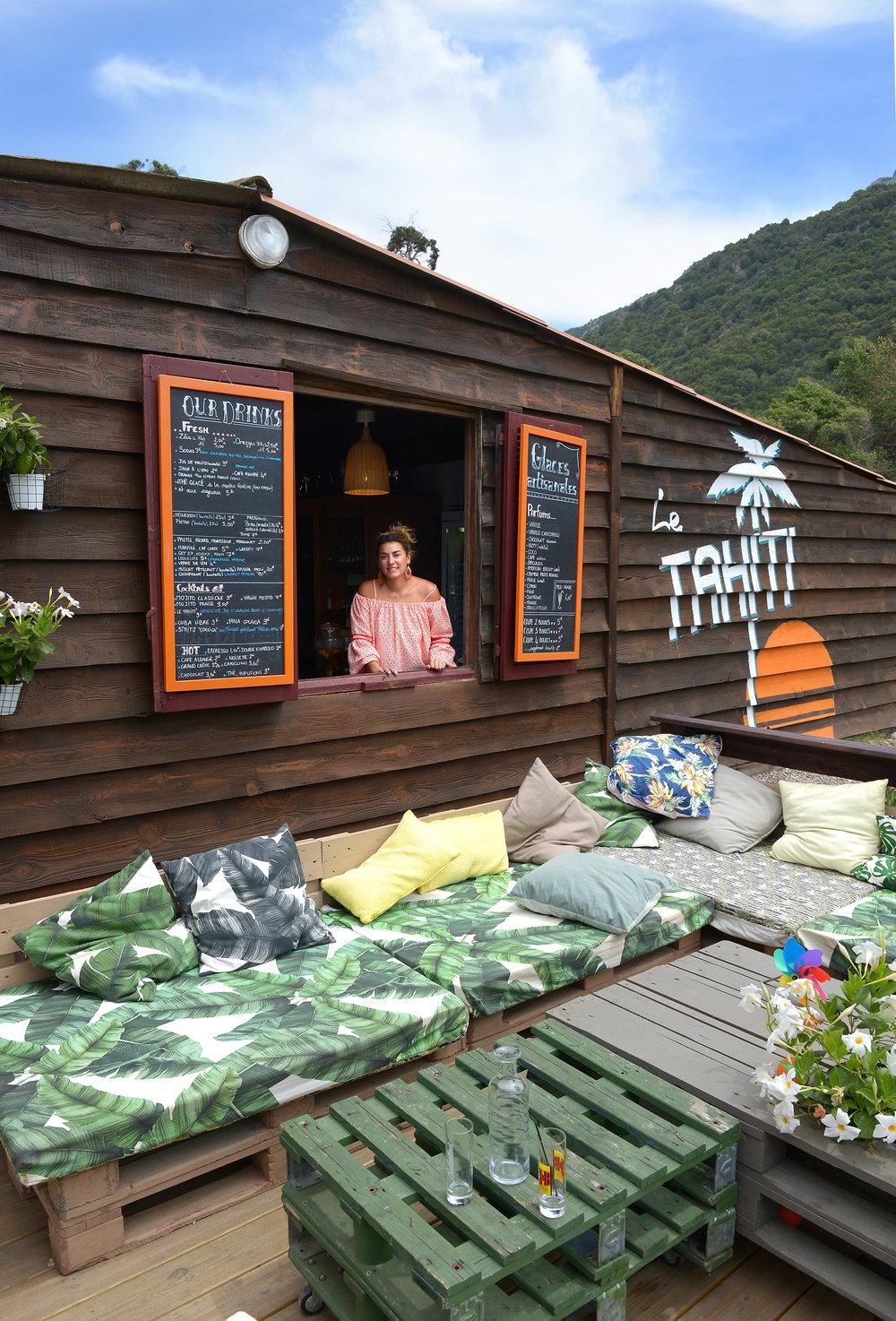 Korsika, Ranska, Porto, Le Tahiti, ravintola