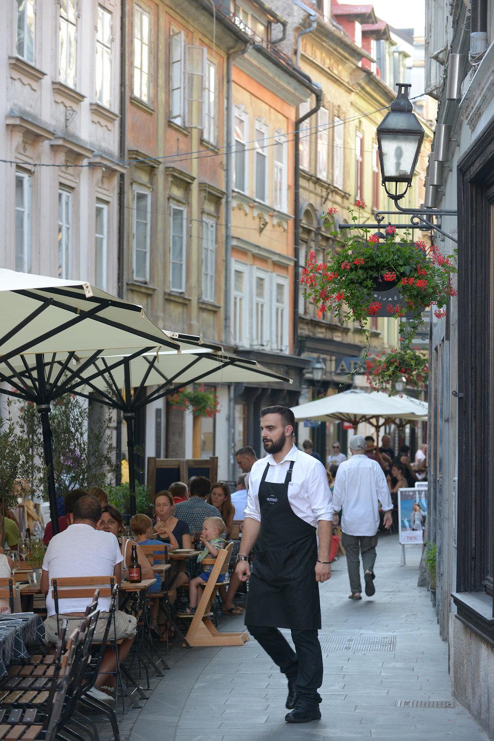 Slovenia, Ljubljana, vanhaakupunki, kävelykatu