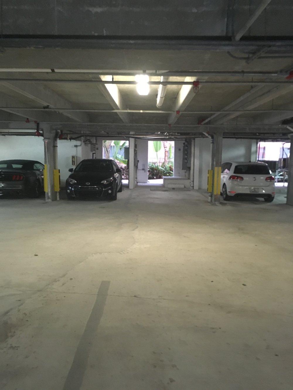 14 - Garage.JPG