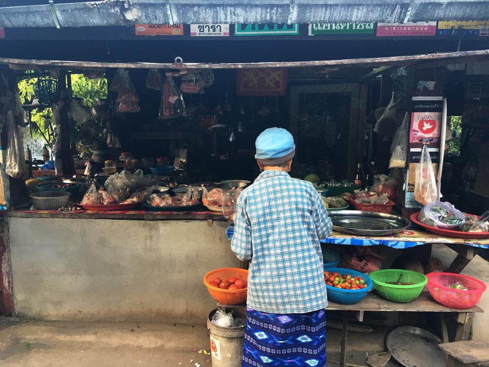Thai_village_market.jpg