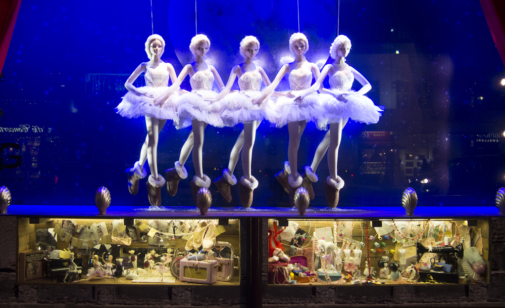 Harrods Christmas Window Display — Sima KC