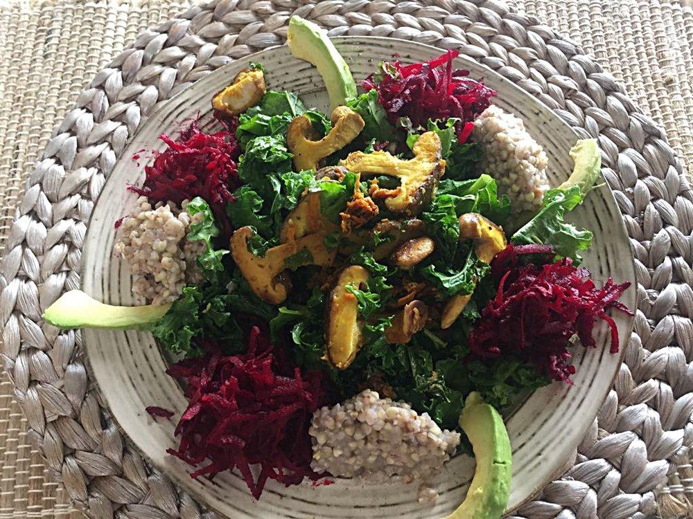 Federkohl-Shitake-Salat.jpeg