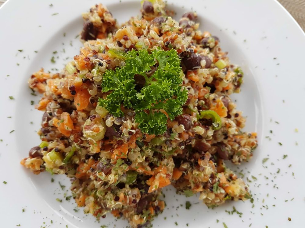 Azukibohnen-Salat mit Quinoa.jpeg