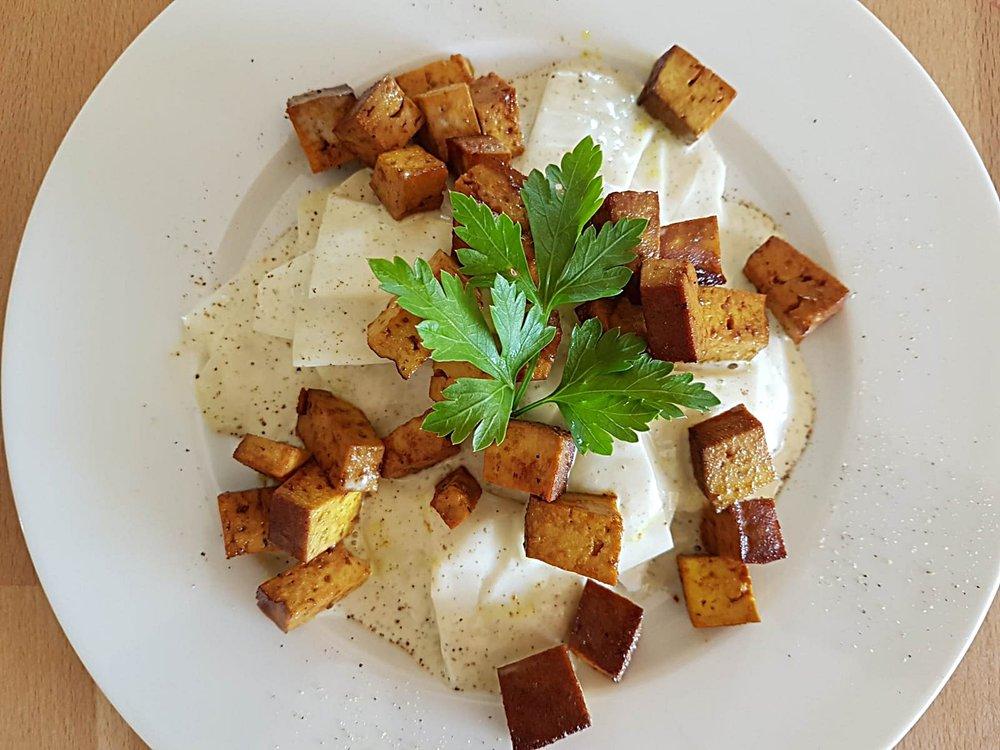 Kohlrabi-Salat-Raeuchertofu.jpeg