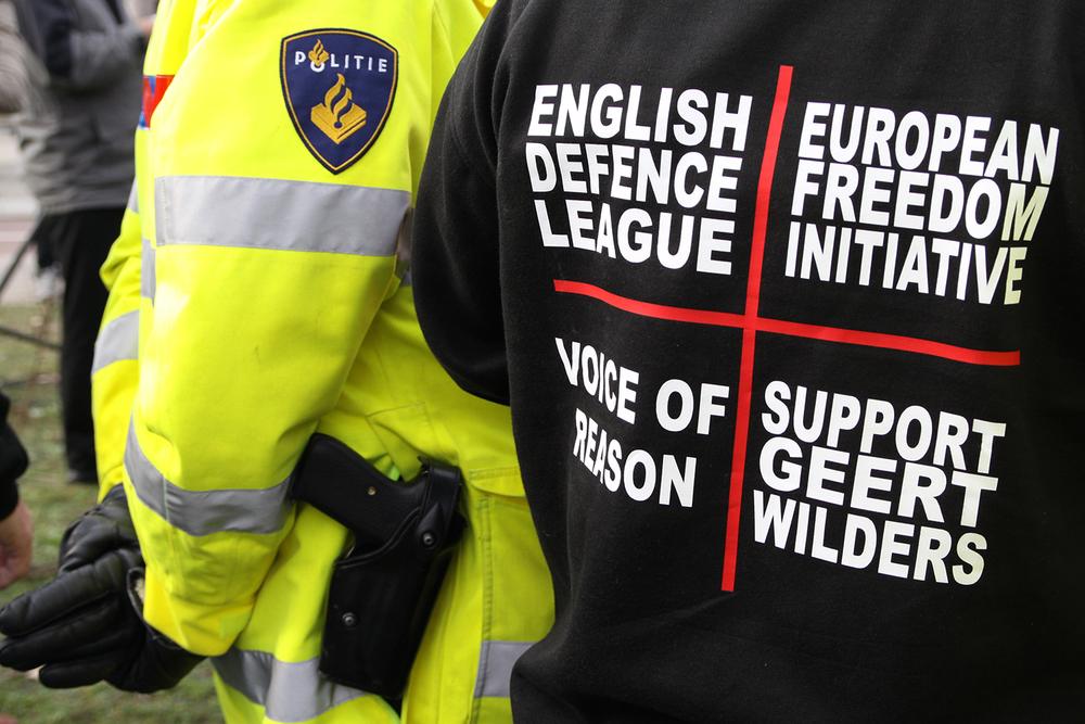 EDL Demonstratie Amsterdam 30-10-2010 Jeppe Schilder (16).jpg