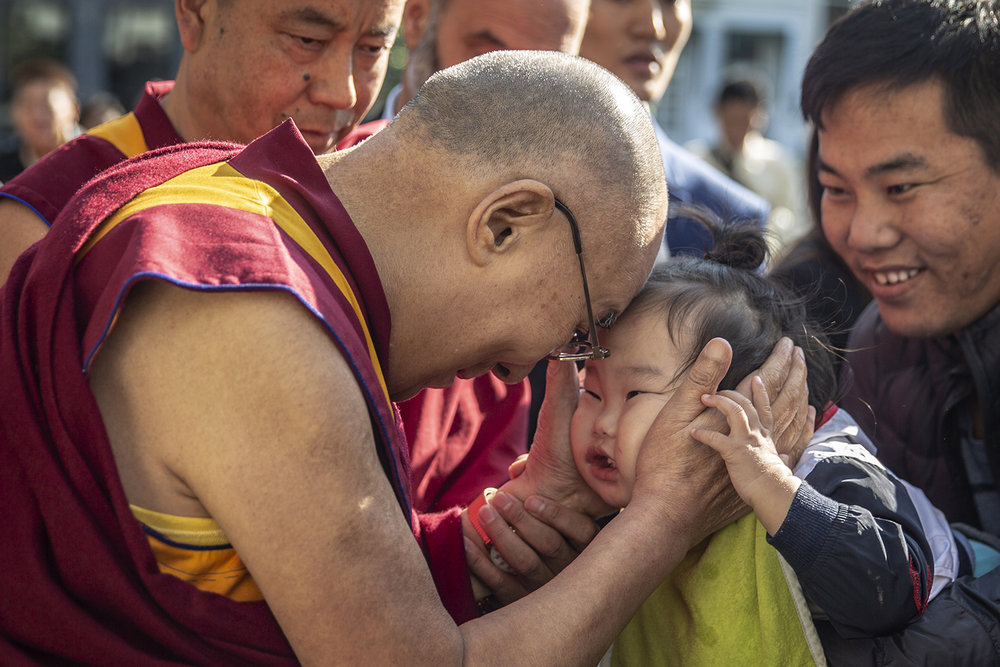 20180914_Dalai_Lama_Rotterdam_Airport_photographer_Jeppe_Schilder_07.jpg