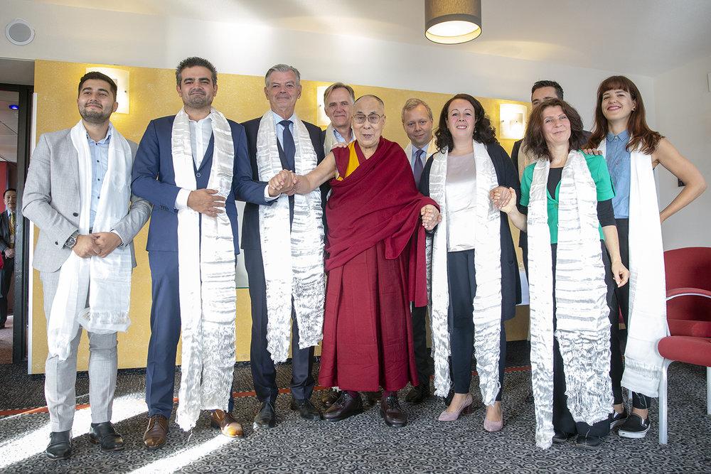 20180917_Dalai_Lama_members_of_parliament_photographer_Jeppe_Schilder_13.jpg