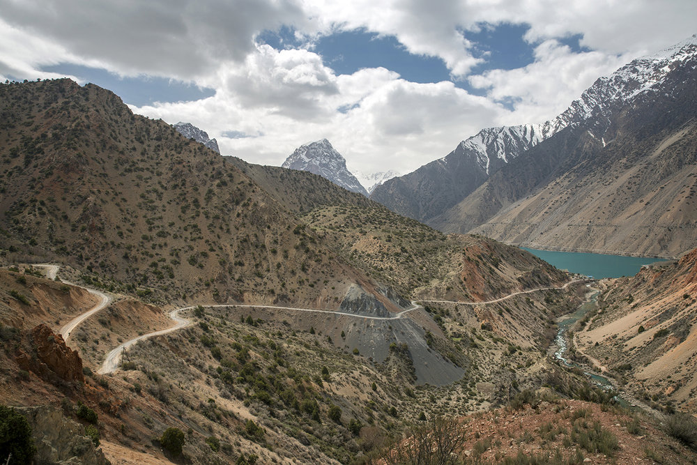 20180408_Tajikistan_Lake_Iskanderkul_02.jpg
