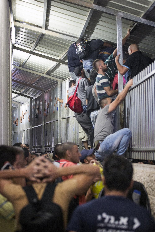 2016_Checkpoint_Israel_Palestine_Bethlehem_Jeppe_Schilder_10.jpg