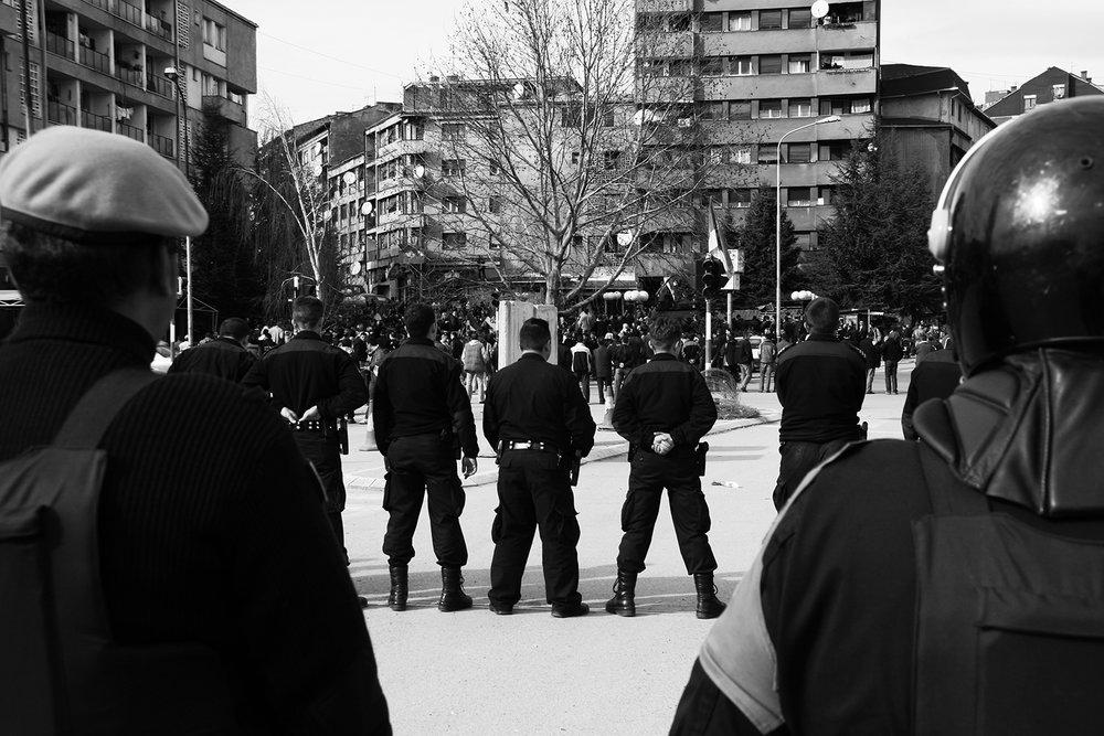 2008_Kosovo_riots_Mitrovica_01.jpg