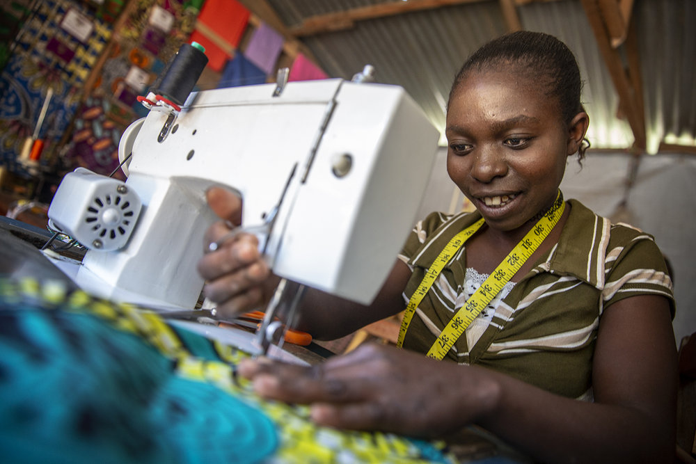20180710_WCH_DRC_Congo_Numbi_territory_ARC_Project_clothing_factory_employee_Amelie_Jeppe_Schilder_02.jpg