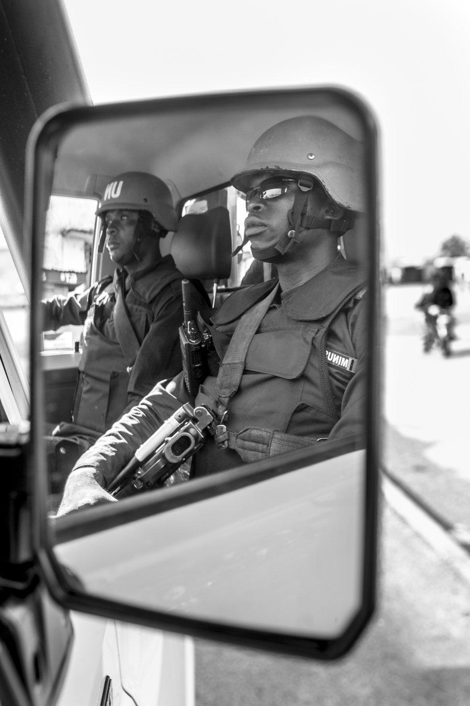 20160928-Bouar-UN Peacekeeper Cameroon-Jeppe Schilder-BW.jpg