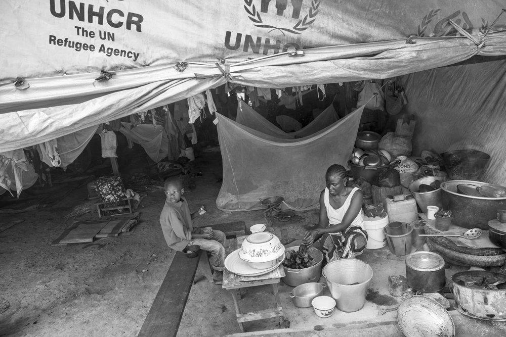 20160930-IDP camp Bangui-Irene Tamboula-Jeppe Schilder-BW.jpg