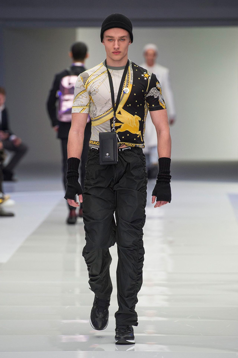 Versace_fw16_fy35.jpg