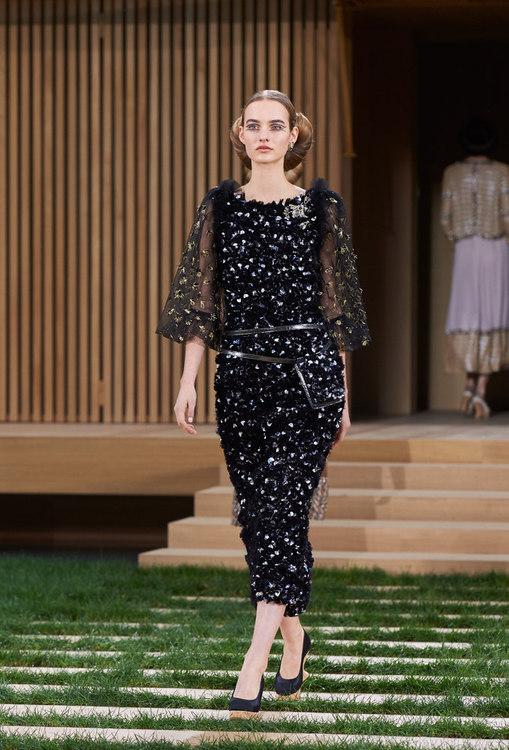 16SHC47.jpg.fashionImg.look-sheet.hi.jpg